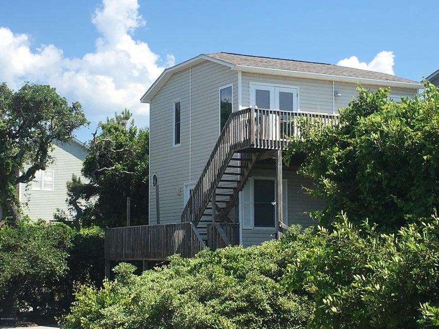 71 Sandy Lane, Surf City, NC 28445