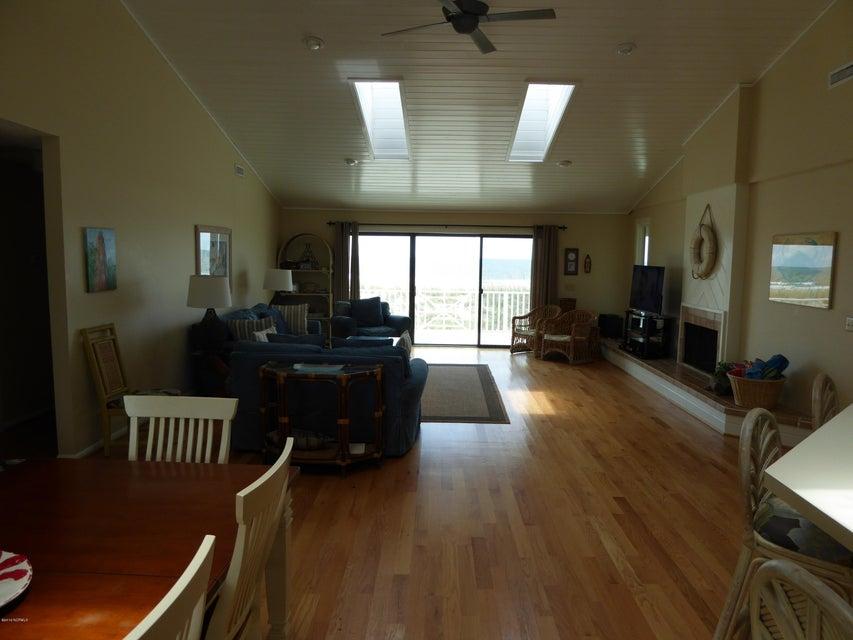 BHI (Bald Head Island) Real Estate - http://cdn.resize.sparkplatform.com/ncr/1024x768/true/20160722162450820811000000-o.jpg