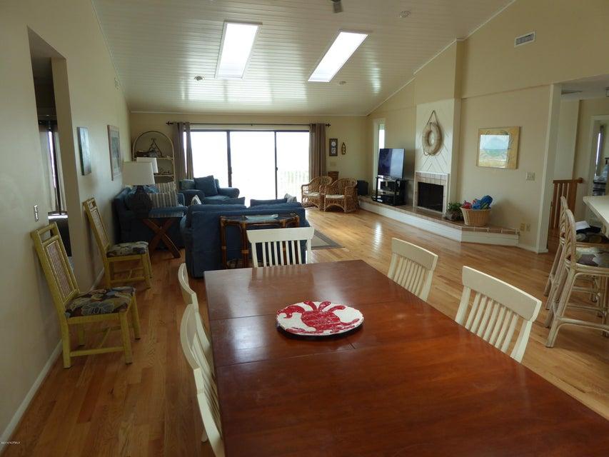 BHI (Bald Head Island) Real Estate - http://cdn.resize.sparkplatform.com/ncr/1024x768/true/20160722162536480973000000-o.jpg