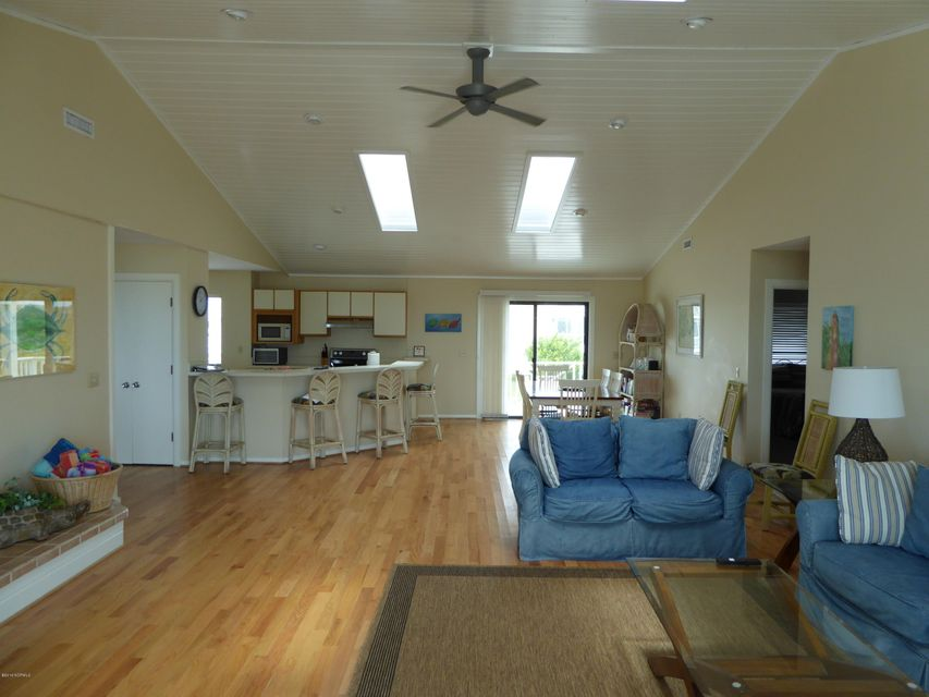 BHI (Bald Head Island) Real Estate - http://cdn.resize.sparkplatform.com/ncr/1024x768/true/20160722162644134027000000-o.jpg