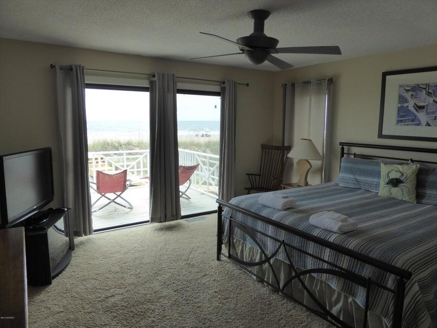 BHI (Bald Head Island) Real Estate - http://cdn.resize.sparkplatform.com/ncr/1024x768/true/20160722162821909083000000-o.jpg