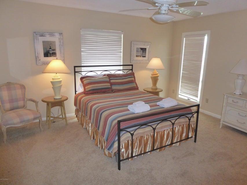 BHI (Bald Head Island) Real Estate - http://cdn.resize.sparkplatform.com/ncr/1024x768/true/20160722162945101869000000-o.jpg