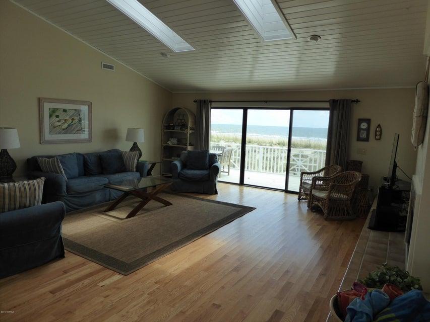 BHI (Bald Head Island) Real Estate - http://cdn.resize.sparkplatform.com/ncr/1024x768/true/20160722163014895457000000-o.jpg