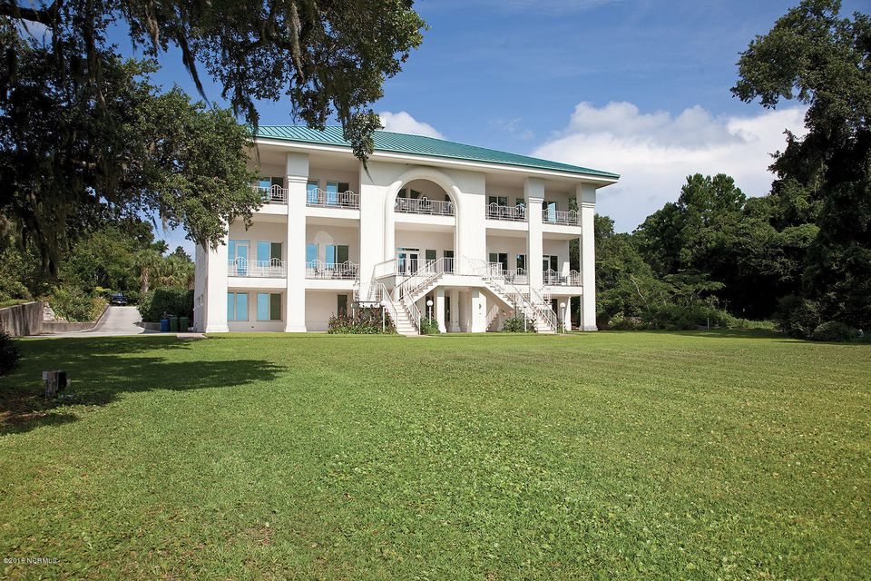 Masonboro Sound Real Estate - http://cdn.resize.sparkplatform.com/ncr/1024x768/true/20160727194508446279000000-o.jpg