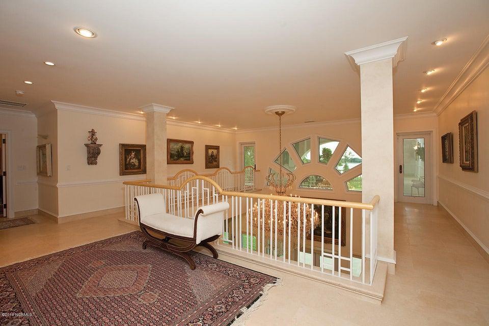 Masonboro Sound Real Estate - http://cdn.resize.sparkplatform.com/ncr/1024x768/true/20160727194605497428000000-o.jpg