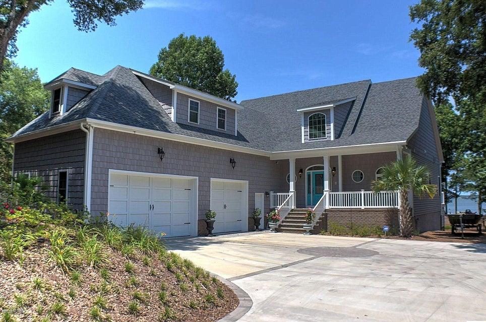 240 Oakleaf Drive, Pine Knoll Shores, NC 28512