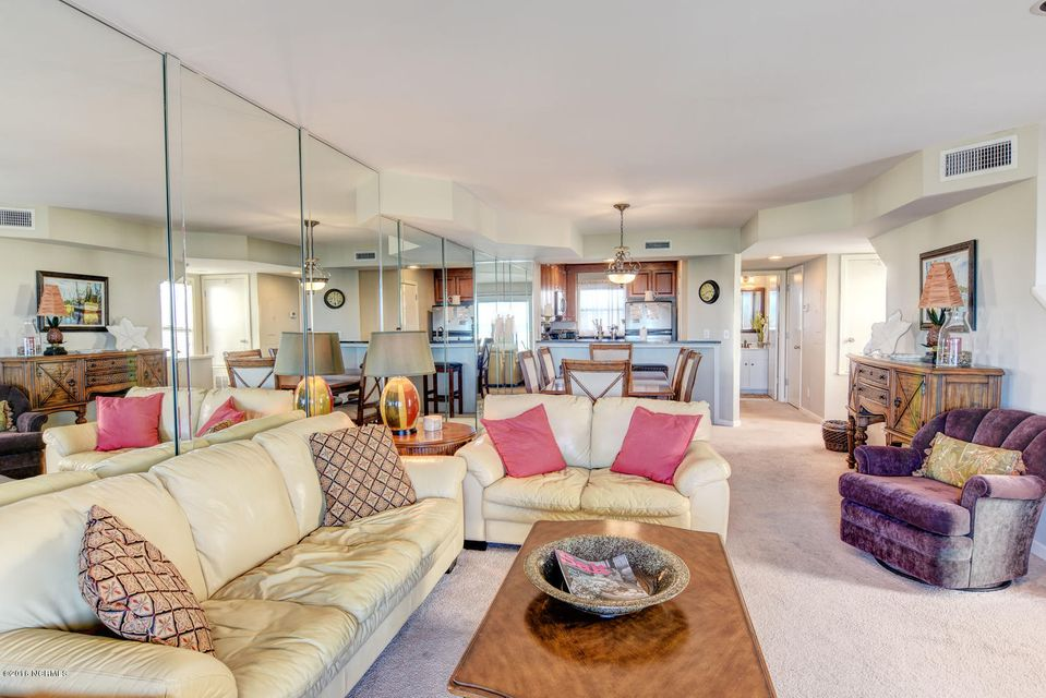 Wrightsville Shore Townhouse Real Estate - http://cdn.resize.sparkplatform.com/ncr/1024x768/true/20160816174049709263000000-o.jpg