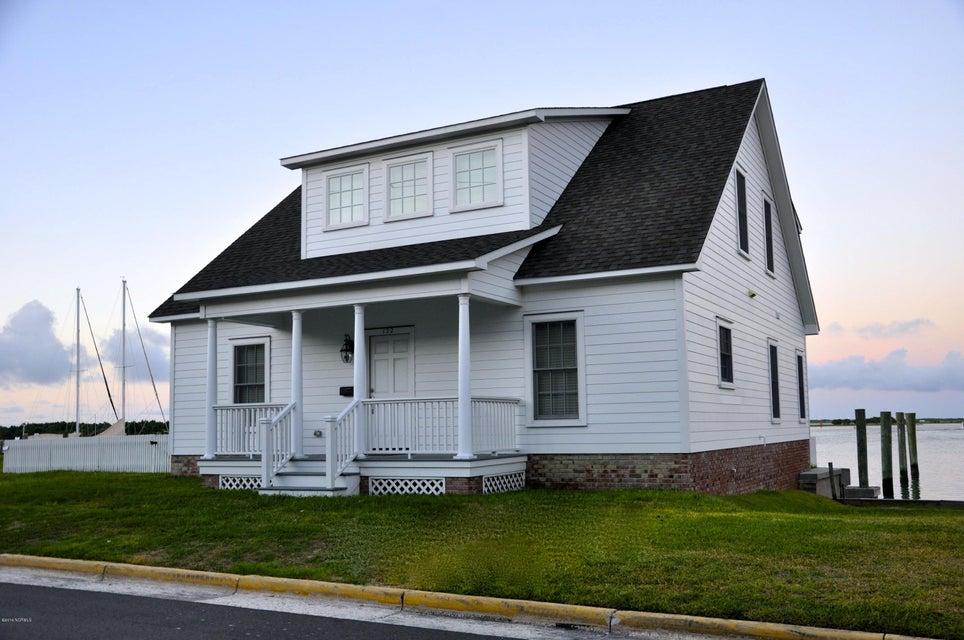 122 Front Street, Beaufort, NC 28516