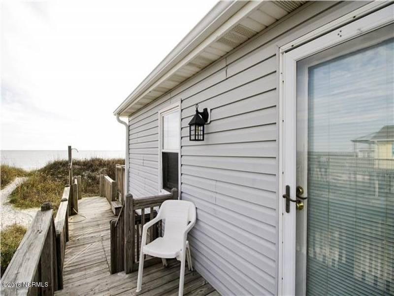Tranquil Harbor Real Estate - http://cdn.resize.sparkplatform.com/ncr/1024x768/true/20160825134710370122000000-o.jpg