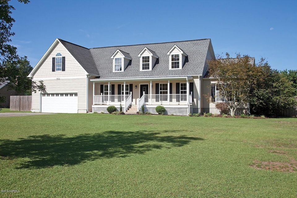 812 Old Swann Point Avenue, Rocky Point, NC 28457
