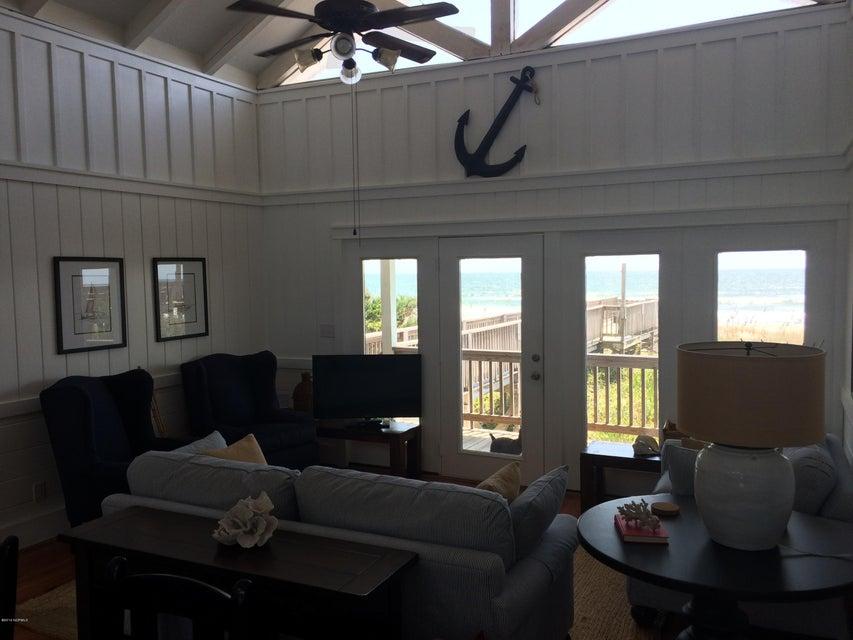 Colonial Beach Real Estate - http://cdn.resize.sparkplatform.com/ncr/1024x768/true/20160830140614692244000000-o.jpg
