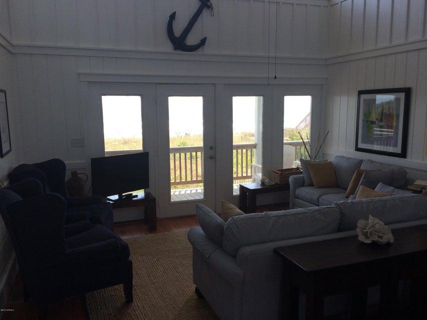 Colonial Beach Real Estate - http://cdn.resize.sparkplatform.com/ncr/1024x768/true/20160830140626930091000000-o.jpg