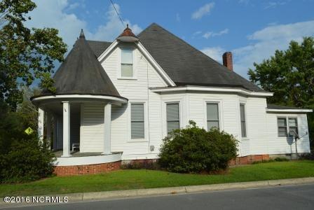 421 W Main Street, Wallace, NC 28466