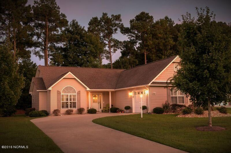 903 Meadowbrook S, Swansboro, NC 28584