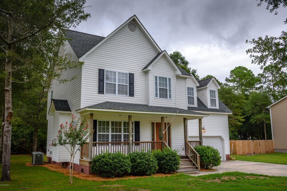 1430 Chadwick Shores Drive, Sneads Ferry, NC 28460