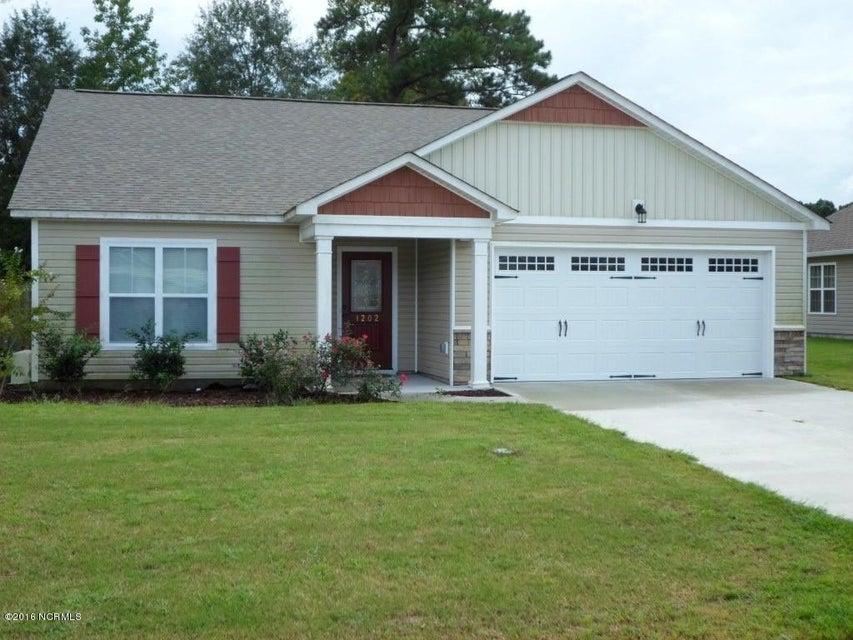 1202 Clancy Drive NE, Leland, NC 28451