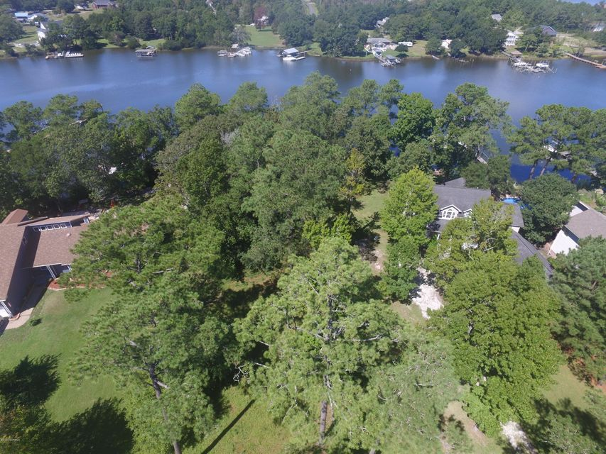 481 Chadwick Shores Drive, Sneads Ferry, NC 28460
