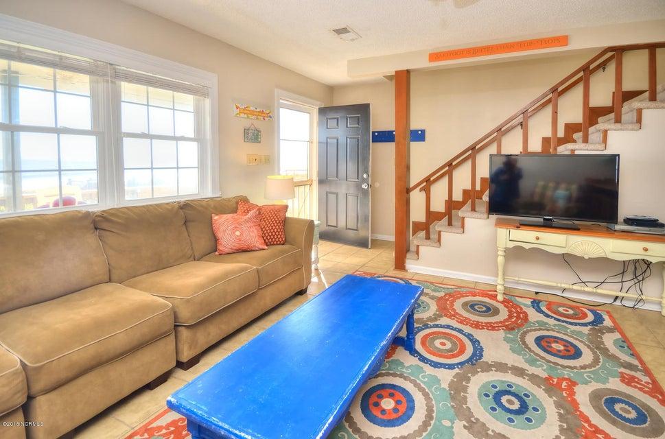 Robinson Beach Real Estate - http://cdn.resize.sparkplatform.com/ncr/1024x768/true/20161017154146560014000000-o.jpg