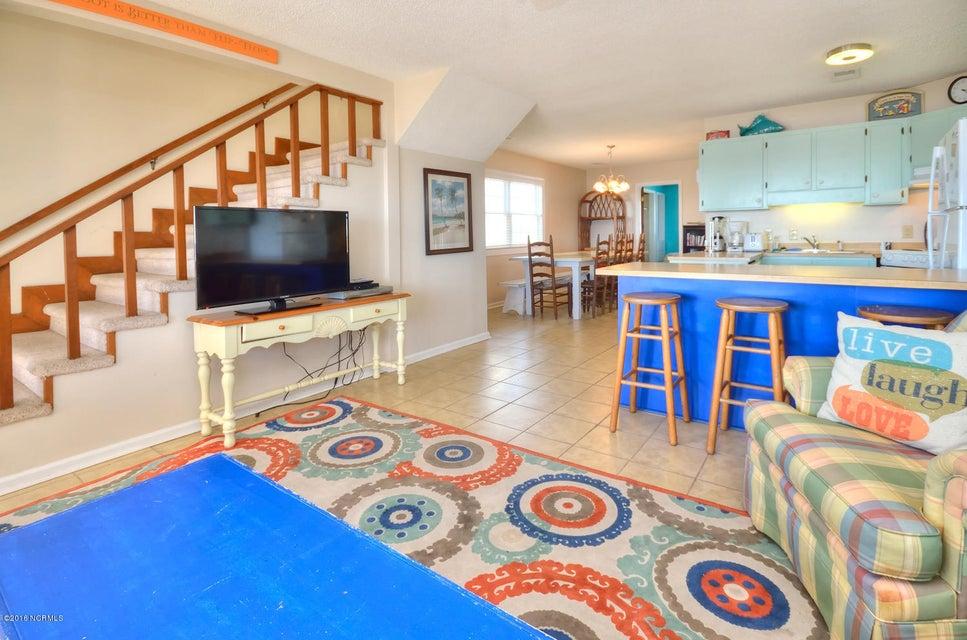 Robinson Beach Real Estate - http://cdn.resize.sparkplatform.com/ncr/1024x768/true/20161017154152348433000000-o.jpg