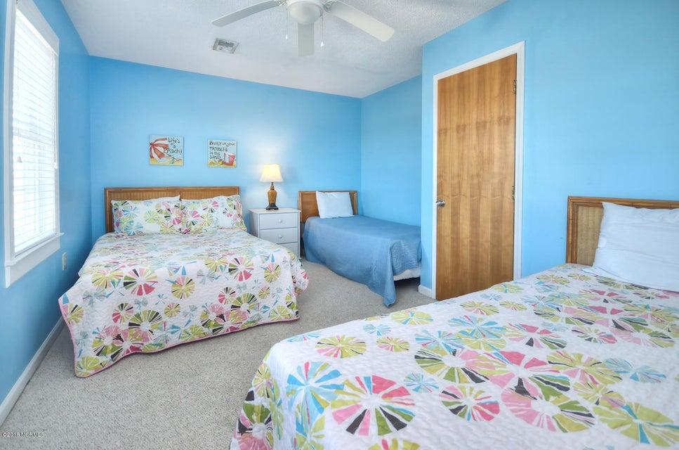 Robinson Beach Real Estate - http://cdn.resize.sparkplatform.com/ncr/1024x768/true/20161017155013076695000000-o.jpg