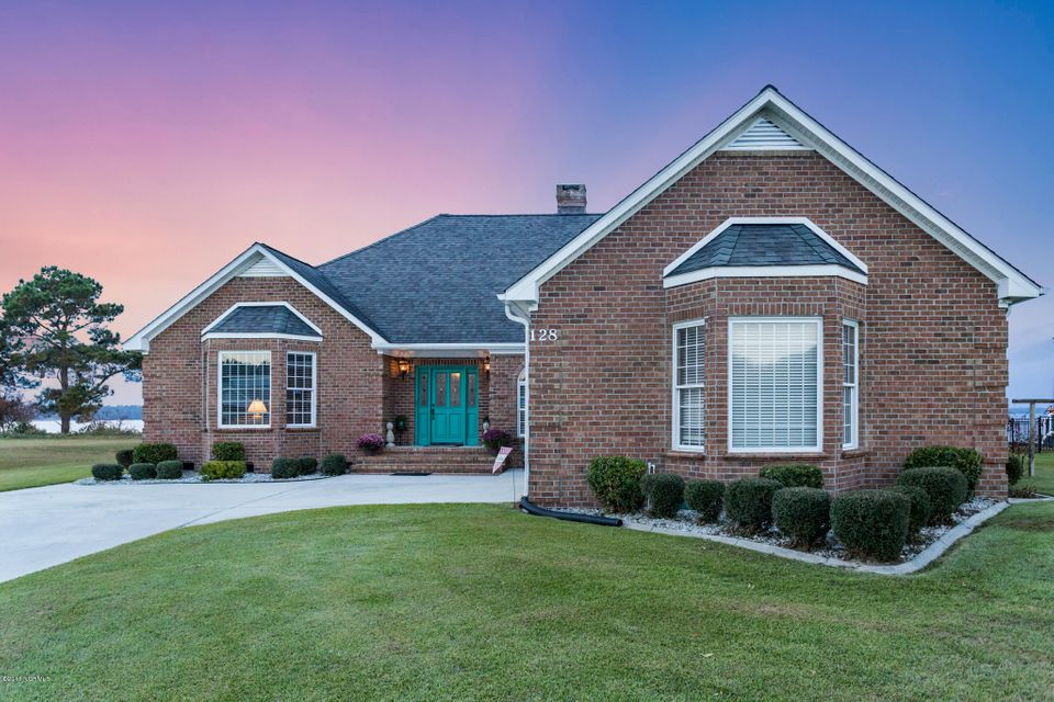 128 Gemstone Drive, Sneads Ferry, NC 28460