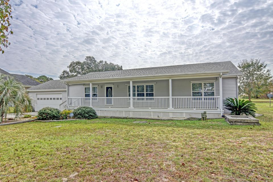 18 Bay Drive, Sneads Ferry, NC 28460