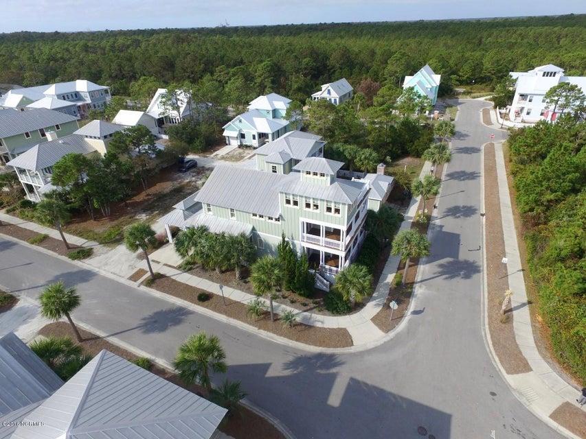 Seagrove Real Estate - http://cdn.resize.sparkplatform.com/ncr/1024x768/true/20161103134609179137000000-o.jpg