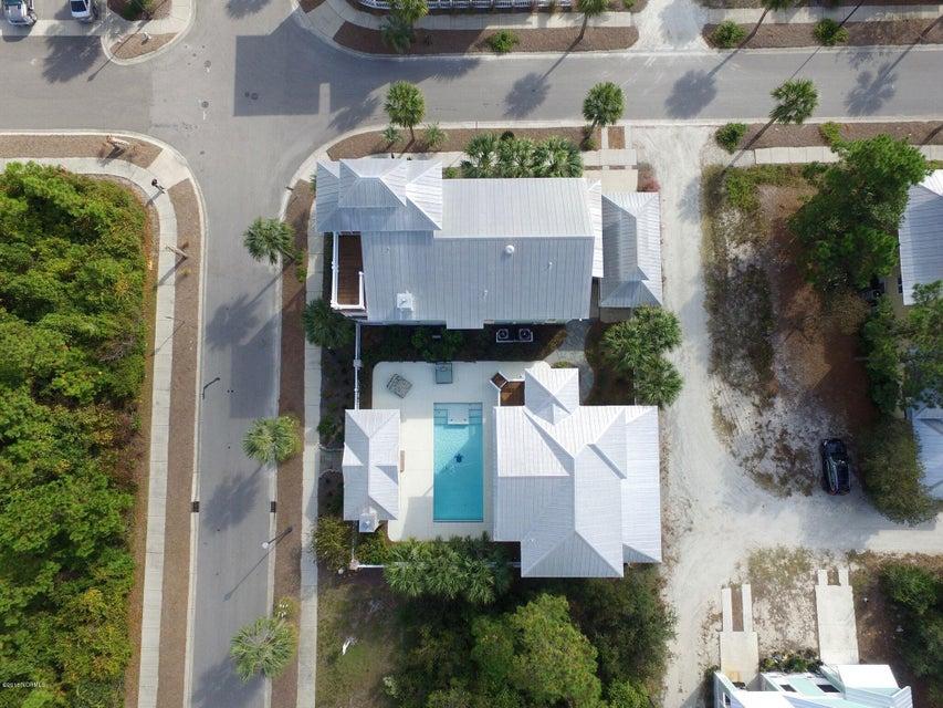 Seagrove Real Estate - http://cdn.resize.sparkplatform.com/ncr/1024x768/true/20161103151113470997000000-o.jpg
