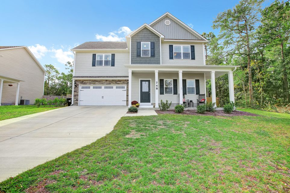 748 Chadwick Shores Drive, Sneads Ferry, NC 28460