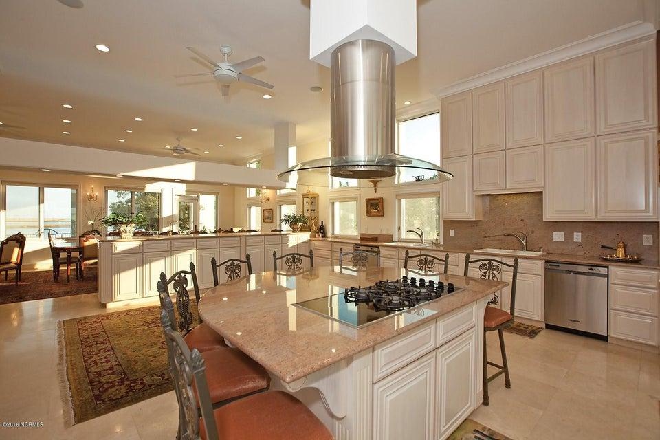 Masonboro Sound Real Estate - http://cdn.resize.sparkplatform.com/ncr/1024x768/true/20161119134422054347000000-o.jpg