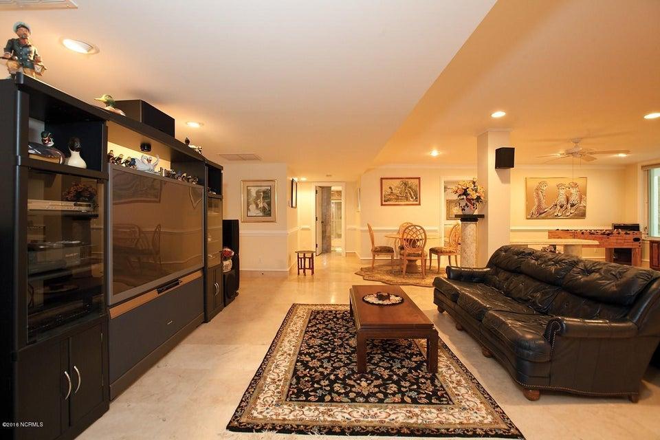 Masonboro Sound Real Estate - http://cdn.resize.sparkplatform.com/ncr/1024x768/true/20161119134505252532000000-o.jpg