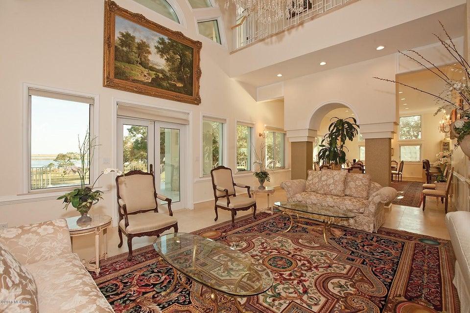 Masonboro Sound Real Estate - http://cdn.resize.sparkplatform.com/ncr/1024x768/true/20161119134537976864000000-o.jpg