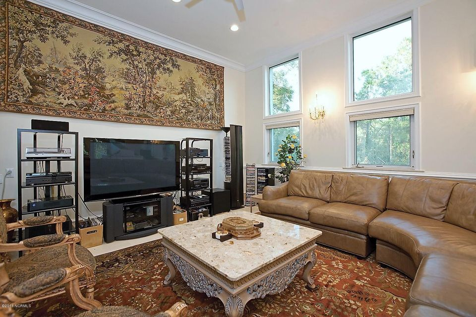 Masonboro Sound Real Estate - http://cdn.resize.sparkplatform.com/ncr/1024x768/true/20161119134547654629000000-o.jpg