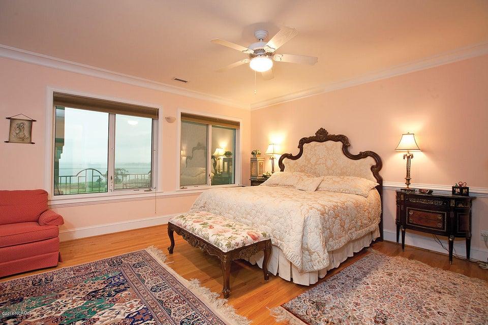 Masonboro Sound Real Estate - http://cdn.resize.sparkplatform.com/ncr/1024x768/true/20161119141118532907000000-o.jpg