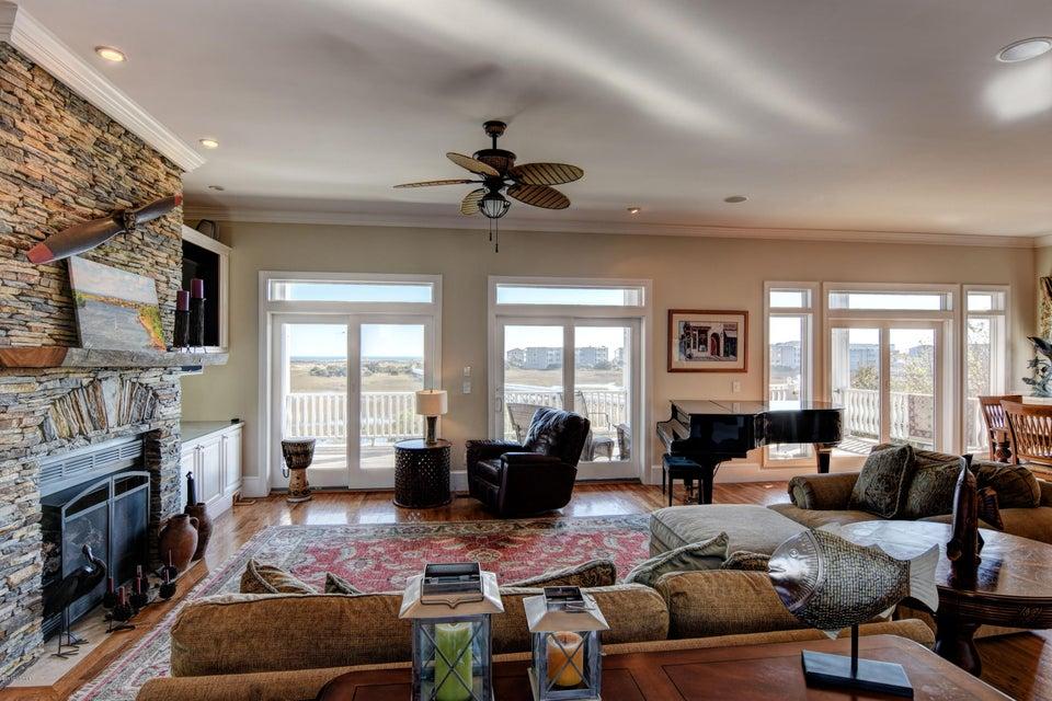 Oceana Real Estate - http://cdn.resize.sparkplatform.com/ncr/1024x768/true/20161123150745922933000000-o.jpg