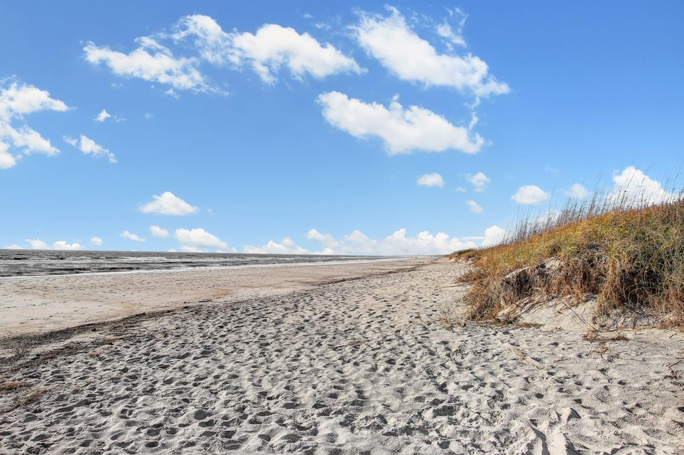 Yaupon Beach Real Estate - http://cdn.resize.sparkplatform.com/ncr/1024x768/true/20161202201201714866000000-o.jpg