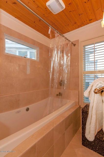 BHI (Bald Head Island) Real Estate - http://cdn.resize.sparkplatform.com/ncr/1024x768/true/20161209155629028303000000-o.jpg