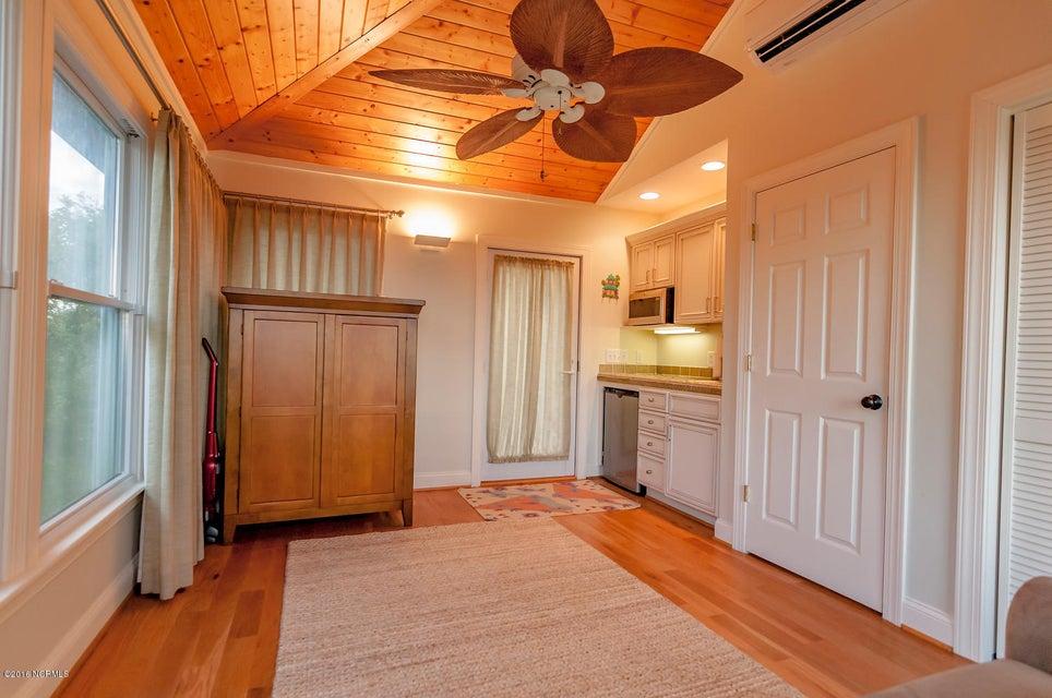 BHI (Bald Head Island) Real Estate - http://cdn.resize.sparkplatform.com/ncr/1024x768/true/20161209155632103708000000-o.jpg