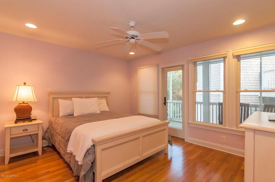 BHI (Bald Head Island) Real Estate - http://cdn.resize.sparkplatform.com/ncr/1024x768/true/20161209155704763752000000-o.jpg
