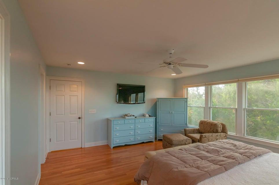 BHI (Bald Head Island) Real Estate - http://cdn.resize.sparkplatform.com/ncr/1024x768/true/20161209155718543991000000-o.jpg
