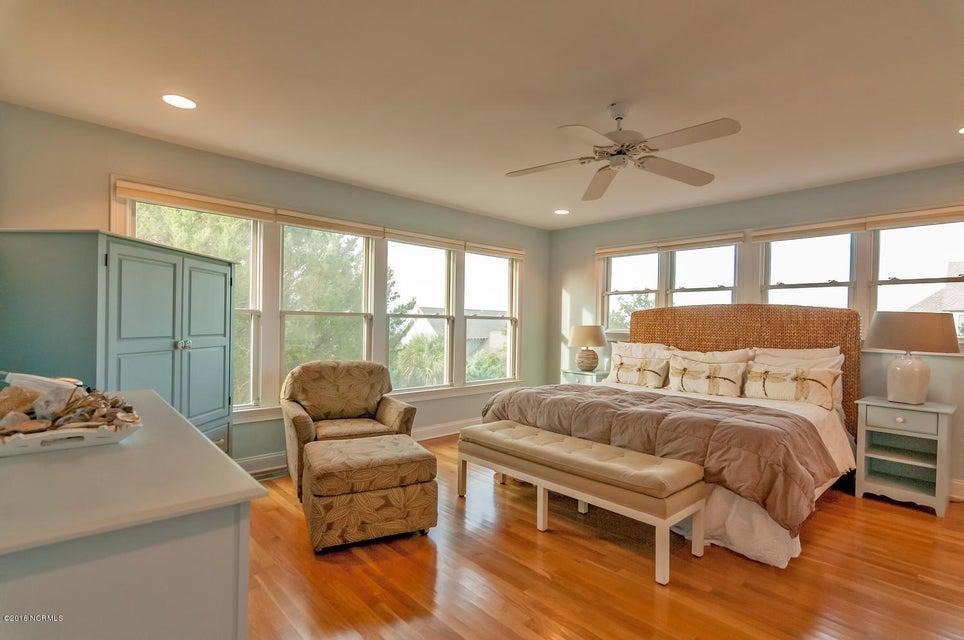 BHI (Bald Head Island) Real Estate - http://cdn.resize.sparkplatform.com/ncr/1024x768/true/20161209155720021212000000-o.jpg