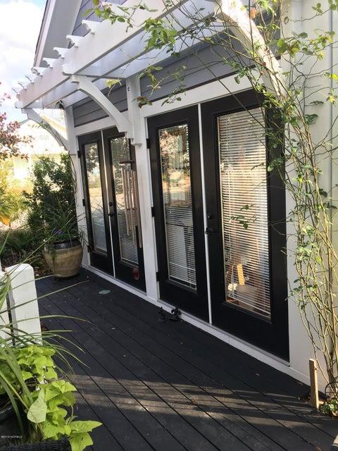 Cades Cove Real Estate - http://cdn.resize.sparkplatform.com/ncr/1024x768/true/20161212211332224665000000-o.jpg