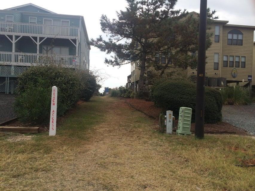 Sunset Beach Real Estate - http://cdn.resize.sparkplatform.com/ncr/1024x768/true/20161213204016540922000000-o.jpg