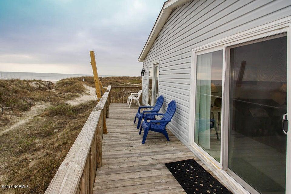 Tranquil Harbor Real Estate - http://cdn.resize.sparkplatform.com/ncr/1024x768/true/20161216142306000466000000-o.jpg