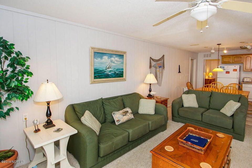 Tranquil Harbor Real Estate - http://cdn.resize.sparkplatform.com/ncr/1024x768/true/20161216142319123420000000-o.jpg