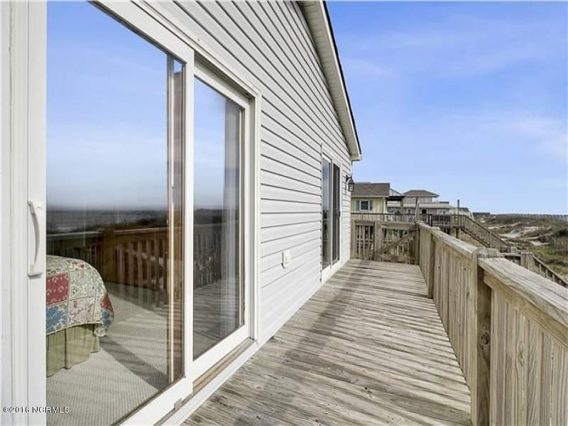 Tranquil Harbor Real Estate - http://cdn.resize.sparkplatform.com/ncr/1024x768/true/20161216142403815265000000-o.jpg