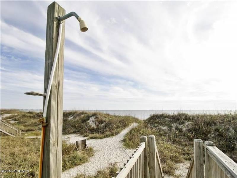 Tranquil Harbor Real Estate - http://cdn.resize.sparkplatform.com/ncr/1024x768/true/20161216142417766019000000-o.jpg