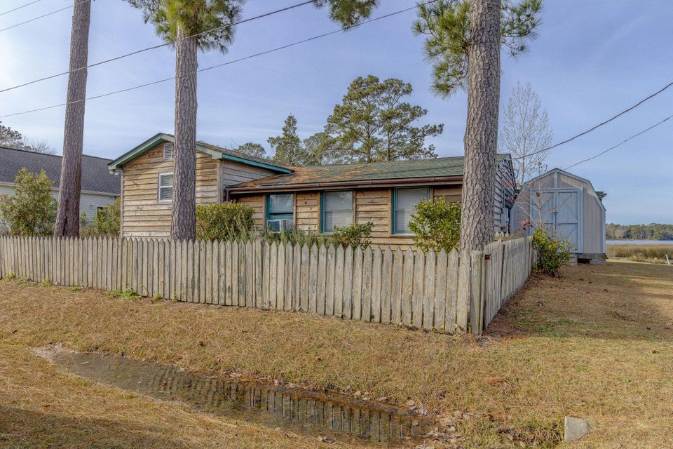 169 Waterfront Drive, Cape Carteret, NC 28584