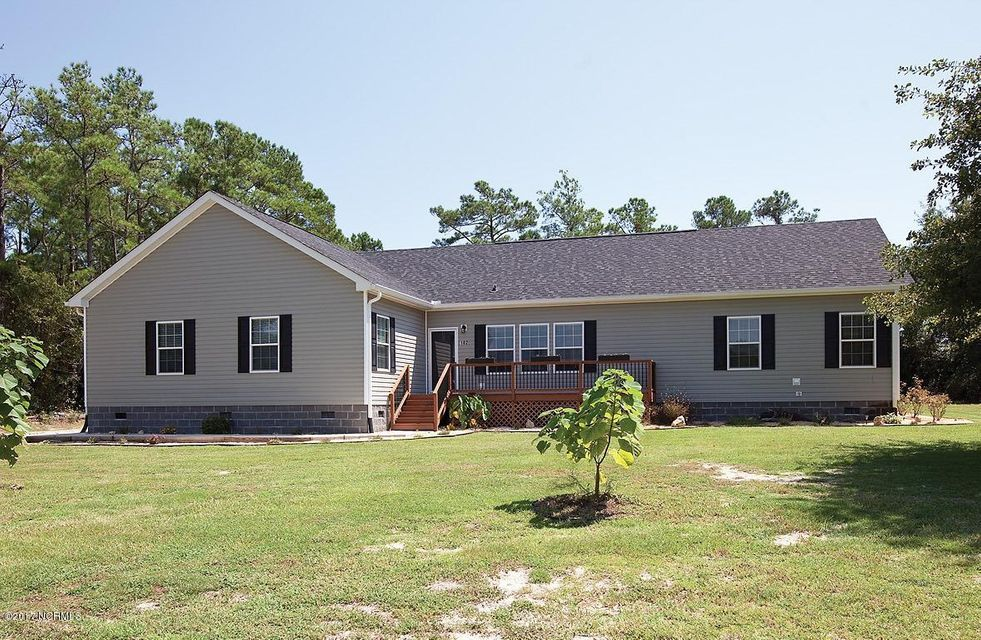 102 Sand Dollar Lane, Hampstead, NC 28443
