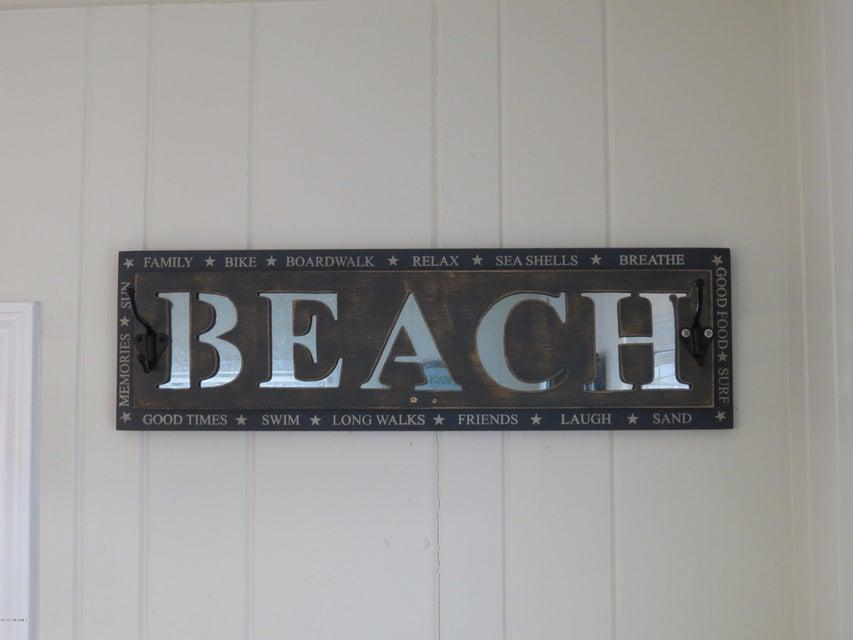 E. Long Beach Real Estate - http://cdn.resize.sparkplatform.com/ncr/1024x768/true/20170118215805917552000000-o.jpg